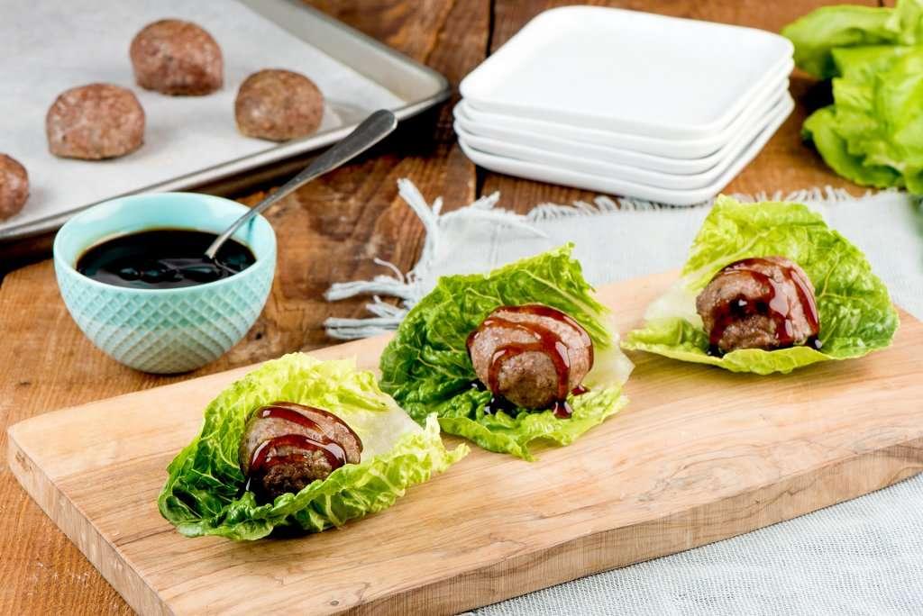 Lamb meatballs in lettuce